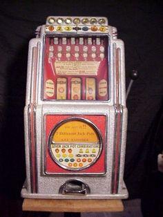 Caille a. Gambling Machines, Vending Machines, Vendor Machine, Vintage Slot Machines, Antique Collectors, 5 Cents, Gumball Machine, Stand Design, Rare Antique