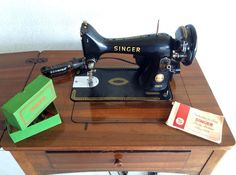 Retro Vintage Singer Sewing Machine AND Sewing Table Model K99
