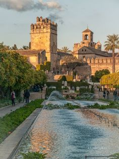 Alcázar de los Reyes Cristianos, Córdoba. Andalucía Cordoba Andalucia, Andalucia Spain, Granada Spain, Beautiful Places To Visit, Places To See, Grenade, Cities, Spain And Portugal, Spain Travel