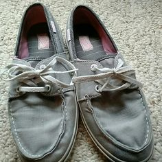 Vans searsucker pattern Excellent condition Vans Shoes Flats & Loafers