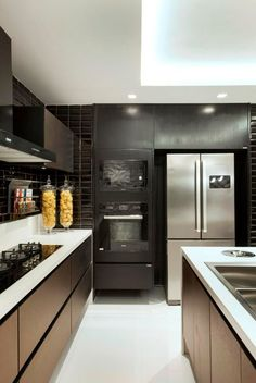Kitchen Cabinets, Home Decor, Bronze, Decoration, Blog, Wall Stickers For Kitchen, Blue Kitchen Cabinets, Modern Kitchens, In Wall Oven