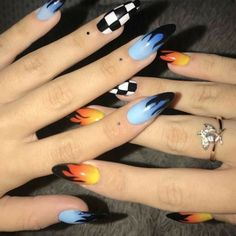 Semi-permanent varnish, false nails, patches: which manicure to choose? - My Nails Edgy Nails, Aycrlic Nails, Grunge Nails, Stylish Nails, Swag Nails, Nail Nail, Nail Polishes, Coffin Nails, Summer Acrylic Nails