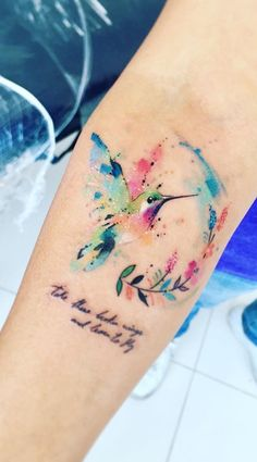 Watercolor tattoos transform your body into a living canvas - watercolor hummingbird tattoo © tattoo artist Javi Wolf Javi Wolf 💕💕💕💕💕💕💕 - old school frases hombres hombres brazo ideas impresionantes japoneses pequeños tattoo Back Tattoos, Cute Tattoos, Flower Tattoos, Body Art Tattoos, New Tattoos, Small Tattoos, Beautiful Tattoos, Tatoos, Arabic Tattoos