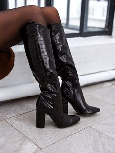 Dream Shoes, Crazy Shoes, Me Too Shoes, Sock Shoes, Shoe Boots, Shoes Heels, Knee High Boots, High Heels, Over Boots