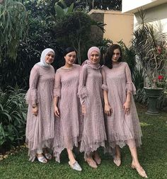 Image may contain: one or more people, people standing and outdoor Dress Brukat, Hijab Dress Party, Hijab Style Dress, Kebaya Lace, Kebaya Dress, Dress Pesta, Kebaya Muslim, Kebaya Hijab, Dress Brokat Muslim