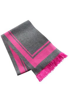 The Barbie™ Wool Scarf is a must-have Barbie fashion accessory for staying fabulously warm this winter.