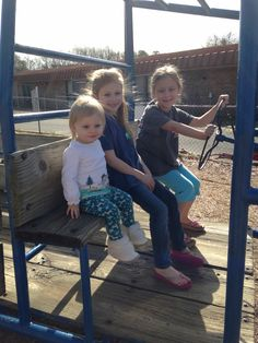 Morrisa, Mattie &Anna Mac @ Huntington playground, 2014