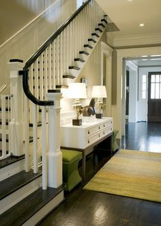 Square banisters, dark wood floors and stairs.it's beautiful. Design Entrée, Design Case, House Design, Design Ideas, Nest Design, Happy Design, Design Hotel, Garden Design, Style At Home
