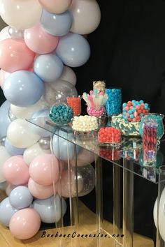 Pink and blue baby shower candy buffets Blue Candy Bars, Pink Candy Buffet, Wedding Candy Table, Candy Bar Party, Baby Shower Favours For Guests, Bar A Bonbon, Baby Shower Candy, Girl Cakes, Buffets