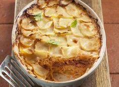 Nebojte se zapéct zelí. Vyzkoušejte náš recept na zapečené zelí s bramborami a klobásou a uvidíte, že se toto jídlo stane oblíbenou pochoutkou vaší rodiny.