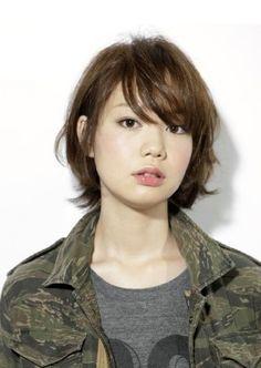 小顔に魅せる、レイヤーボブ! | Luxe(ラグゼ)のヘアスタイル・髪型・ヘアカタログ - 美美美コム