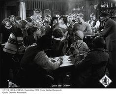 GERHARDT LAMPRECHT [Martedì 8 Tuesday h 21:30]  UNTER DER LATERNE (Under the Lantern) [Sotto il lampione] (DE 1928) Gerhard Lamprecht  Piano: Donald Sosin @sidhamusic  Finale: Goodnight Ko-Ko: KO-KO GETS EGG-CITED (US 1926) Dave Fleischer  Piano: Donald Sosin @sidhamusic  Credits: Deutsche Kinemathek, Berlin