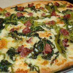 Pizza di semola con Cime di Rapa e Salsiccia