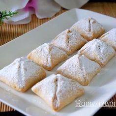 Elmalı bohça kurabiye. Apple Cookies, Sweet Cookies, Pudding Pies, Pause, Turkish Recipes, Food To Make, Food And Drink, Tasty, Favorite Recipes