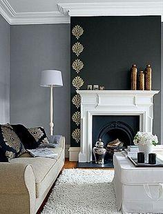 Accent wall - prachtige afwerking vloer - en plafond plinten - combineert heel mooi bij de schouw