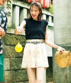 GUのトップスにショートパンツが色っぽい♡大人の配色でまとめる休日デートコーデ | andGIRL [アンドガール]