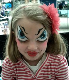 Are you looking for inspiration for your Halloween make-up? Browse around this site for creepy Halloween makeup looks. Clown Halloween, Creepy Halloween Makeup, Creepy Makeup, Halloween Makeup Looks, Halloween Make Up, Crazy Halloween Costumes, Halloween 2019, Halloween Night, Funny Halloween