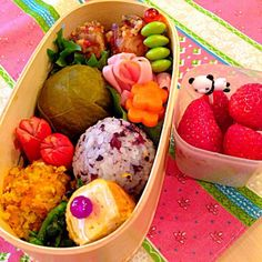 海老のレンコン挟み揚げはモコズキッチン観て作った(笑) - 33件のもぐもぐ - 二色おにぎり弁当 by yuko306