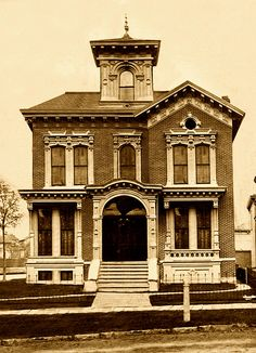 Hodge/Ash House, 83/245 Alfred St, Brush Park, Detroit by Equinox27, via Flickr