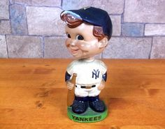 Vintage NEW YORK YANKEES BOBBLEHEAD baseball DAMAGED bobble head doll nodder OLD #NewYorkYankees