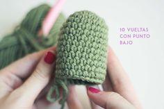 How to make an Amigurumi cactus step by step - vip photography Crochet Animal Patterns, Crochet Patterns Amigurumi, Crochet Dolls, Crochet Stitches, Crochet Cactus, Diy Crochet, Cactus E Suculentas, Cactus Craft, Patron Crochet
