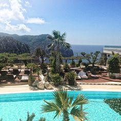 Hacienda Na Xamena à Ibiza - Lili Barbery Eivissa Ibiza, Le Havre, Places Ive Been, Natural Stones, Beautiful Places, Lily, River, Outdoor Decor, Nature