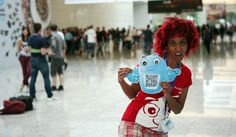 Jessica & the PyroTouch robot excited about being at Gamescom 2012!