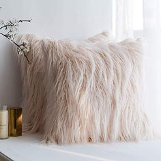 MIULEE Pack of 2 Decorative New Luxury Series Style Pink Faux Fur Throw Pillow Case Cushion Cover for Sofa Bedroom Car 18 x 18 Inch 45 x 45 cm Fur Throw Pillows, Pink Pillows, Throw Pillow Cases, Decorative Throw Pillows, Pillow Covers, Plush Pillow, Accent Pillows, Glam Bedroom, Bedroom Sofa