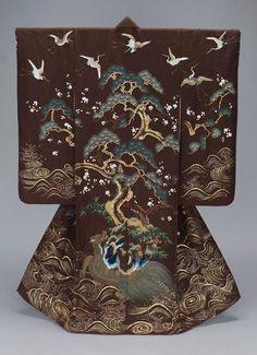 26-11-11  19th century uchikake via The Museum of Fine Arts, Boston