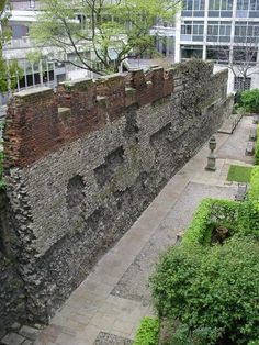 A little bit of #Rome in #London - the #London Wall! #GowithOh