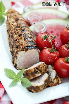 Marynowanie mięsa w solance to metoda, którą w kuchni stosowały już nasze babcie, dobrze czasem przypomnieć sobie rodzinne tradycje, zapytać starszych kucharzy o ich sposoby na… Marynowanie mięsa w solance czyli roztworze wody z solą przed obróbką termiczną sprawia, że finalnie mięso jest bardziej soczyste a przez to smaczniejsze i delikatniejsze. Tą metodę marynowania warto wybrać szczególnie przed pieczeniem mięsa czy grillowaniem. Zaczęło się lato i wakacje, więc jako Mi Coca Cola, Grilling, Coke, Crickets, Cola