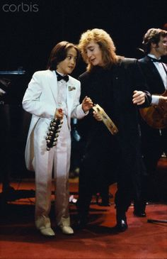 ♡♥Sean with Julian Lennon prepare to present an award at a Rock and Roll Hall of Fame induction ceremony♥♡