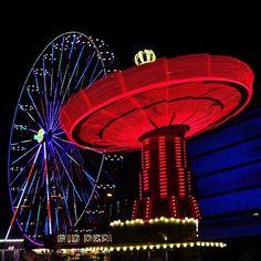 Instagram media by the_o_miz - Züri Fäscht 2016 . #zurich #züri #fäscht #zürifäscht #zürifäscht2016 #switzerland #funride #fairgroundride #ride #ferriswheel #riesenrad #chairoplane #calcinculo #lunapark Beautiful Moments, Park, Ferris Wheel, Fair Grounds, In This Moment, Instagram, Travel, Viajes, Traveling
