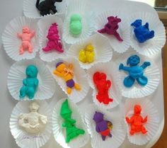 Playdough Babies | 30 Baby Shower Games That Are Actually Fun http://www.buzzfeed.com/pippa/fun-baby-shower-games?bffbdiy