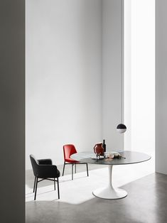 Krusin Collection 016 Designed by Marc Krusin for Knoll. Photo byFederico Cedrone.