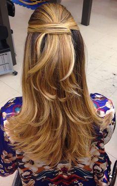 Como fazer o penteado meio rabo com volume | Anna Fasano
