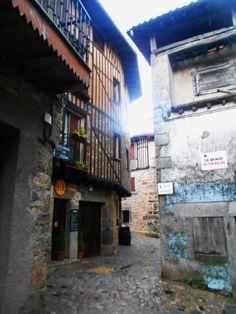 """Calle en """" S """" entre calles Mayor  y Chorrito."""