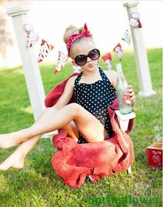 NEW  Girls Retro-Stryle Halter Polka-Dot One-Piece Swimsuit 4-10 2 Colors
