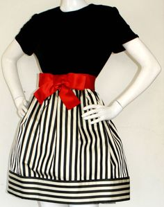 Bill Blass - Robe Mini - Soie Noir, Blanc et Rouge - Années 80