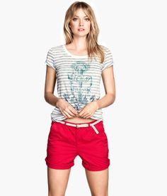 Red chino shorts and casual t shirt