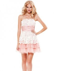 This dress is sooo cute! Love this pale pink colour and laces.