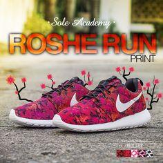 c0a944adf8886 Nike Roshe Run Print