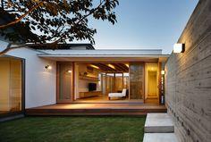 Jardines de estilo Asiático por 窪江建築設計事務所