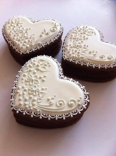 See more about mini wedding cakes, heart weddings and mini cakes. cookie weddingcookie