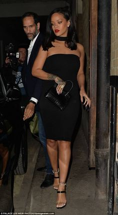 Rihanna Wears a Little Black Dress in London - Vogue Mode Rihanna, Rihanna Riri, Rihanna Style, Rihanna Black Dress, Rihanna Fashion, Rihanna Casual, Rihanna Fenty Beauty, Mode Outfits, Fashion Outfits