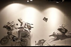5bfa2_selfridges-uk-young-creatives-windows-T.Lipop_2-600×400