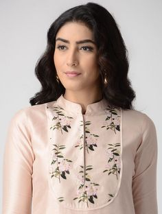 Pink Printed Chanderi Kurta Neck Designs For Suits, Sleeves Designs For Dresses, Neckline Designs, Dress Neck Designs, Blouse Designs, Churidar Neck Designs, Salwar Designs, Kurta Designs Women, Printed Kurti Designs