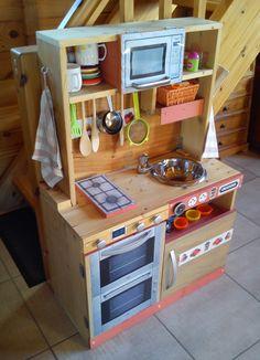 Cuisinière en bois pour enfant - fait maison
