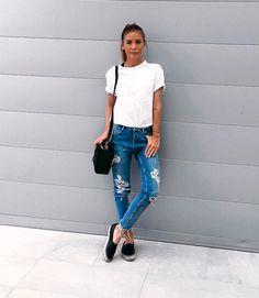 Imagem que me representa : t-shirt branca e jeans