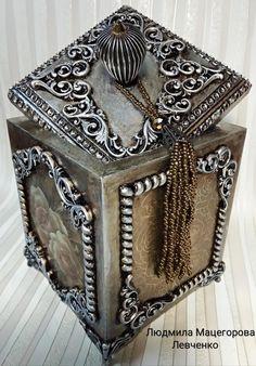 liudmila_podarki instagram Altered Bottles, Cake Art, Glass Bottles, Altered Art, Quilling, Decorative Boxes, Lisa, Cool Crafts, Wooden Chest